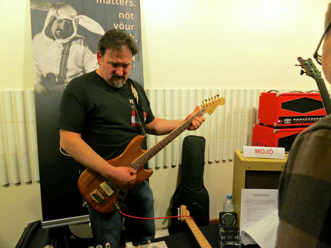 Tonefest 2019 – Möjö Guitars.jpg
