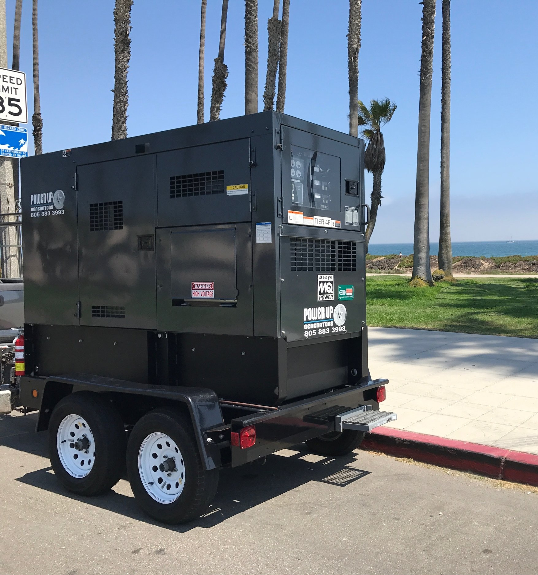 350 AMPS/45 KVA/36 KW   Whisper Watt Generator