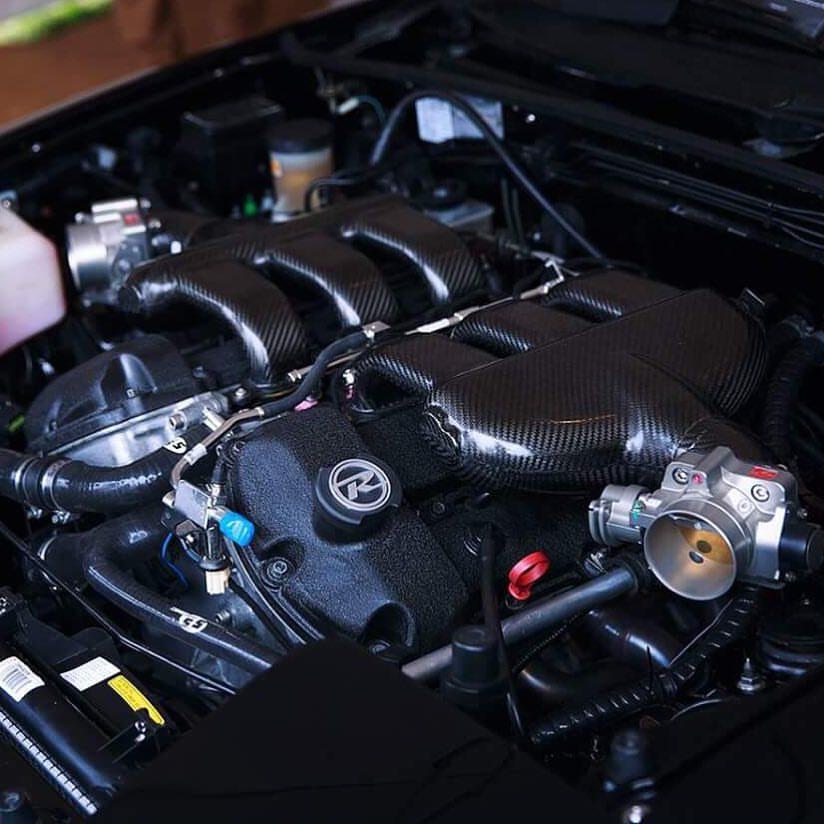 bruces_car_enginecloseup_quarterangle.jpg