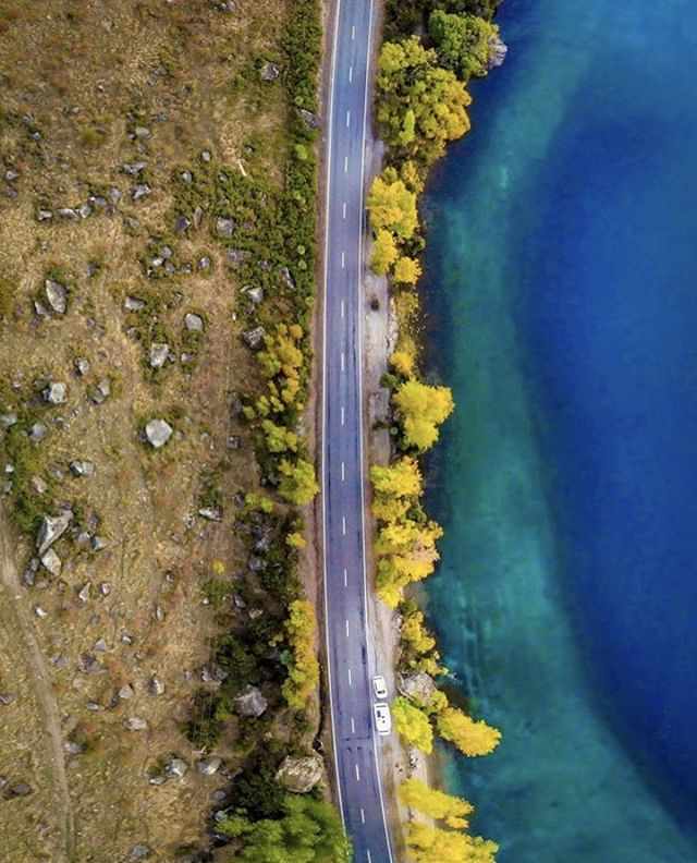 On the road to nowhere 🚗 This South Island stretch looks at its best from above. . . Beautifully captured by #NewZealand #photographer @meghanmaloneyphotography . .  #autumncolors #picture_to_keep #earthoutdoors #explorewithfriends #igbest_shotz #global_hotshotz #ig_worldclub #igrefined #outdoortones #feedbacknation #exploringtheglobe #igscglobal #instanaturefriends_ #earth_shotz #lake #bestnatureshot #autumn #naturegood #natureonly #djimavicair #dronephotography #drone #dronegram #dronestagram #droneshots #kodakit #snapitkodakit #shootsmadesimple
