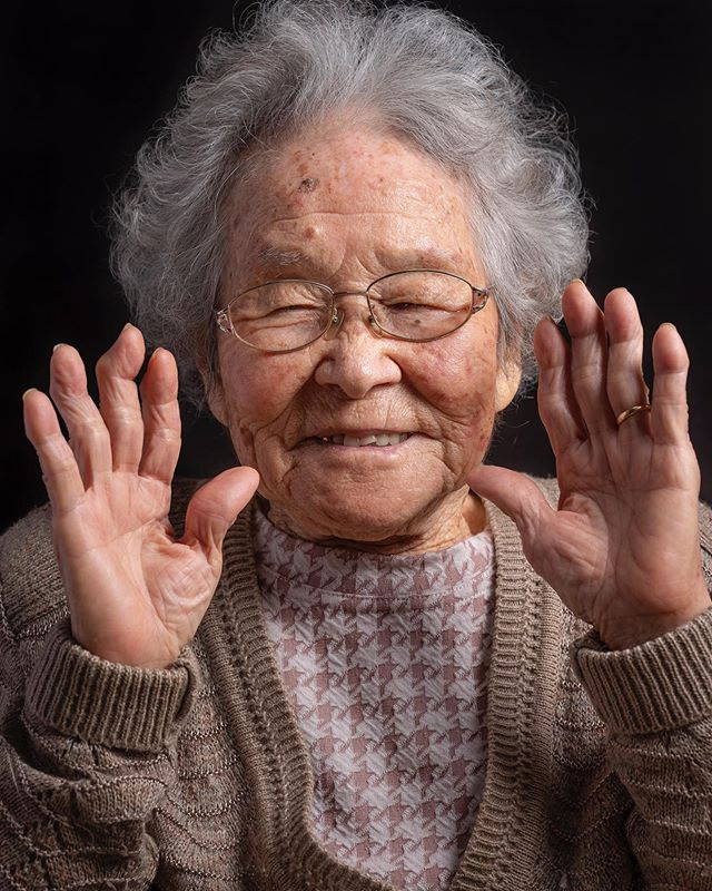 This small-sized and affable 97 year old lady is Ogido Tsuru. I was privileged to be able to witness Ogido and her 98-year old husband's cute and endearing #relationship. They have been #married for 76 years! The people of #Okinawa seem to have indeed mastered the secret of #happiness.  The #elderly I shot were all very grateful and touched that a stranger would want to shoot them professionally. Little do they know that the gratefulness and lessons I have learnt from them far outweigh their feelings towards me. - @josejeuland . . #okinawa_japan #okinawaliving #portraitphotography #portrait #japan #oldpeoplelove #photography #photographer