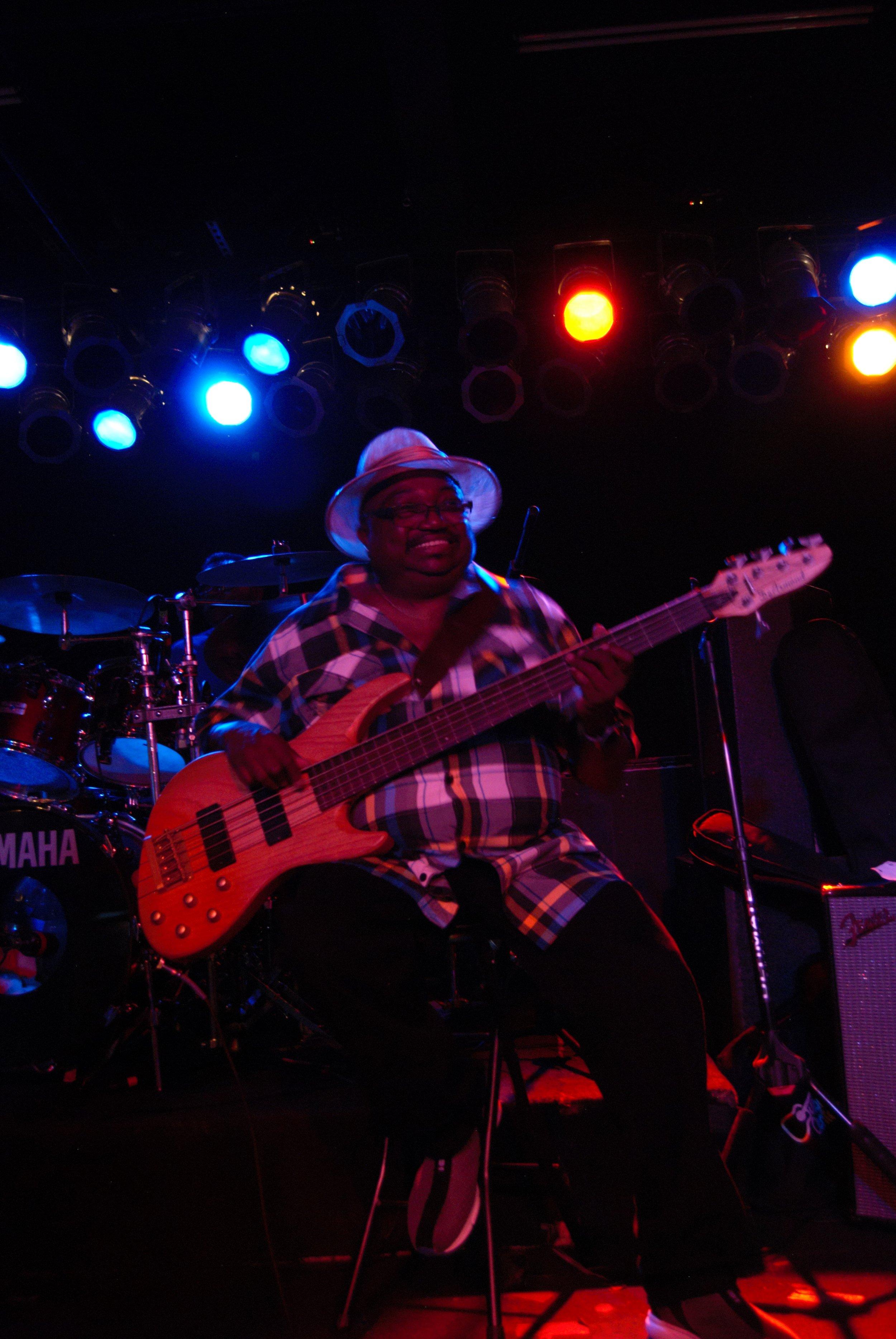 Andre Bass10.jpg