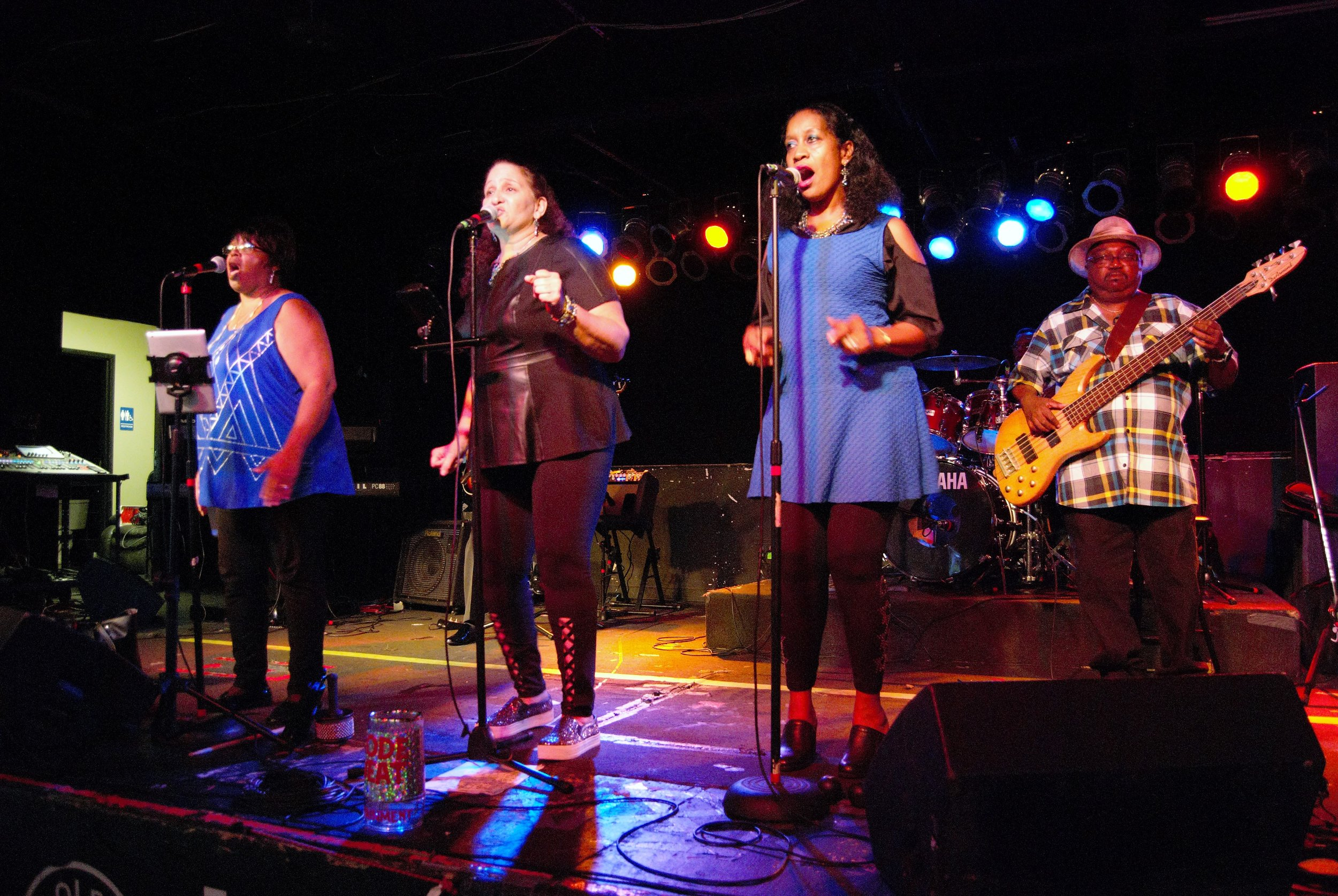 Singers2.jpg