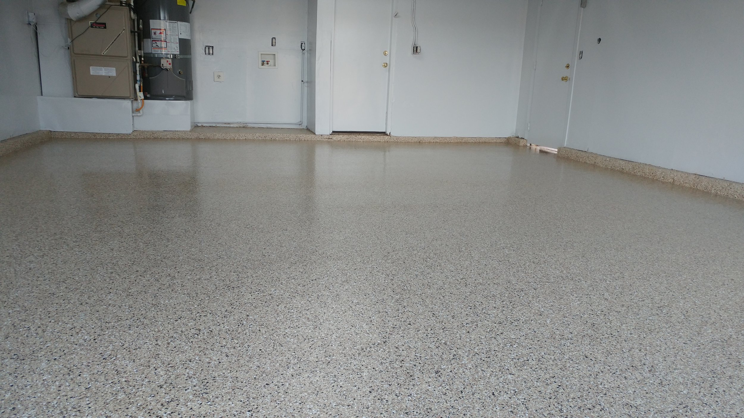 Older Home in Sacramento Transforms their Garage with a New Epoxy Floor