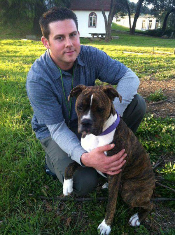 Seisaños antes - Jessen se encontró con Mollie y la adoptó.