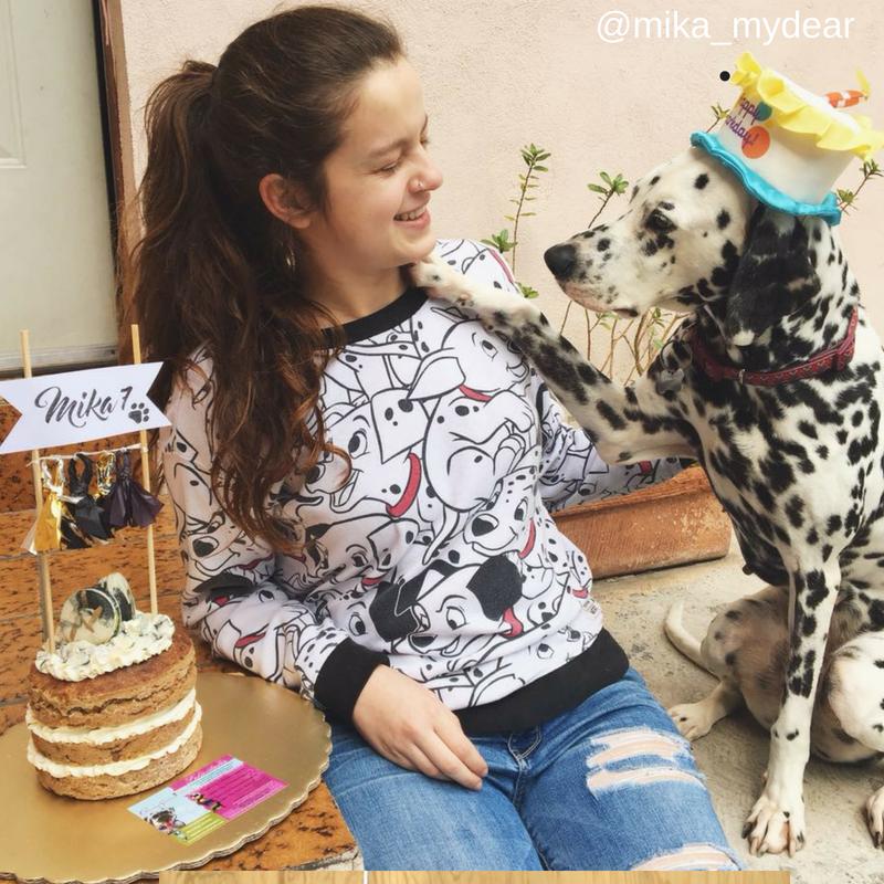 2. Cuando le celebras el cumpleaños a tu perro y hasta le cantas las mañanitas e invitas a otras crazy dog moms a la piñata.