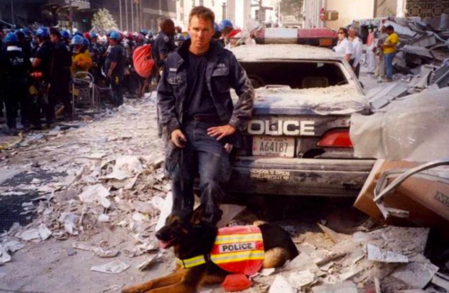 Trakr  fue traído desde Nueva Escocia por su manejador, el encontró a Genelle Guzmán el último sobreviviente encontrado en la zona cero, cuando su manejador Symington fue visto en la tele por sus jefes en Canadá fue suspendido por dejar sus labores sin permiso. El perro murió en abril 2009