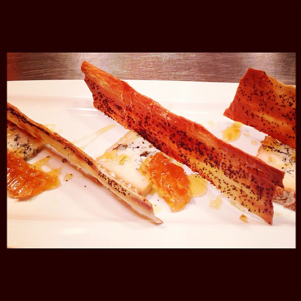 Valdeon Blue Cheese, Honeycomb & Poppy Seed Lavash