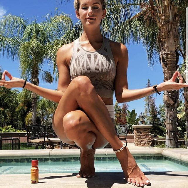 Looks like someone found the perfect balance of nutrition and convenience. Our Immunity Shots help you supercharge your immune system wherever your day may lead. Purchase your own by clicking the link in our bio and use the promo code 35488HLQ for 35% off. (📷: @yoga_ky) . . . . . #nootralife #nootra #immunity #nutrition #turmeric #gingerroot #squash #healthy #healthyliving #onthego #cleaneating #probiotics #nongmo #vegan