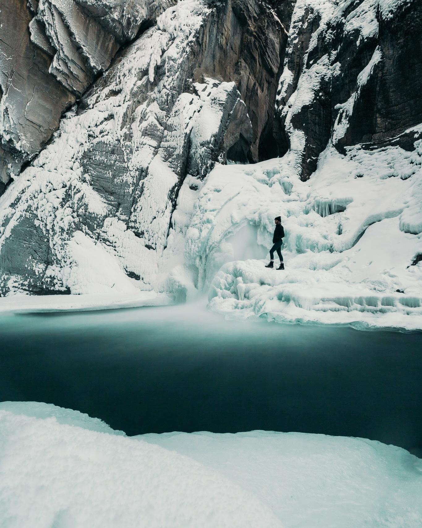 Sunwapta Falls (photo credit  @refinedmoment )