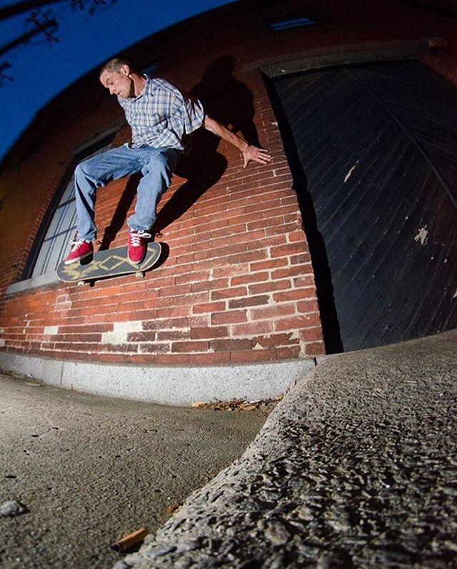Flash back wallride. Shot by the one and only @toddmaloy #skateboardingisfun