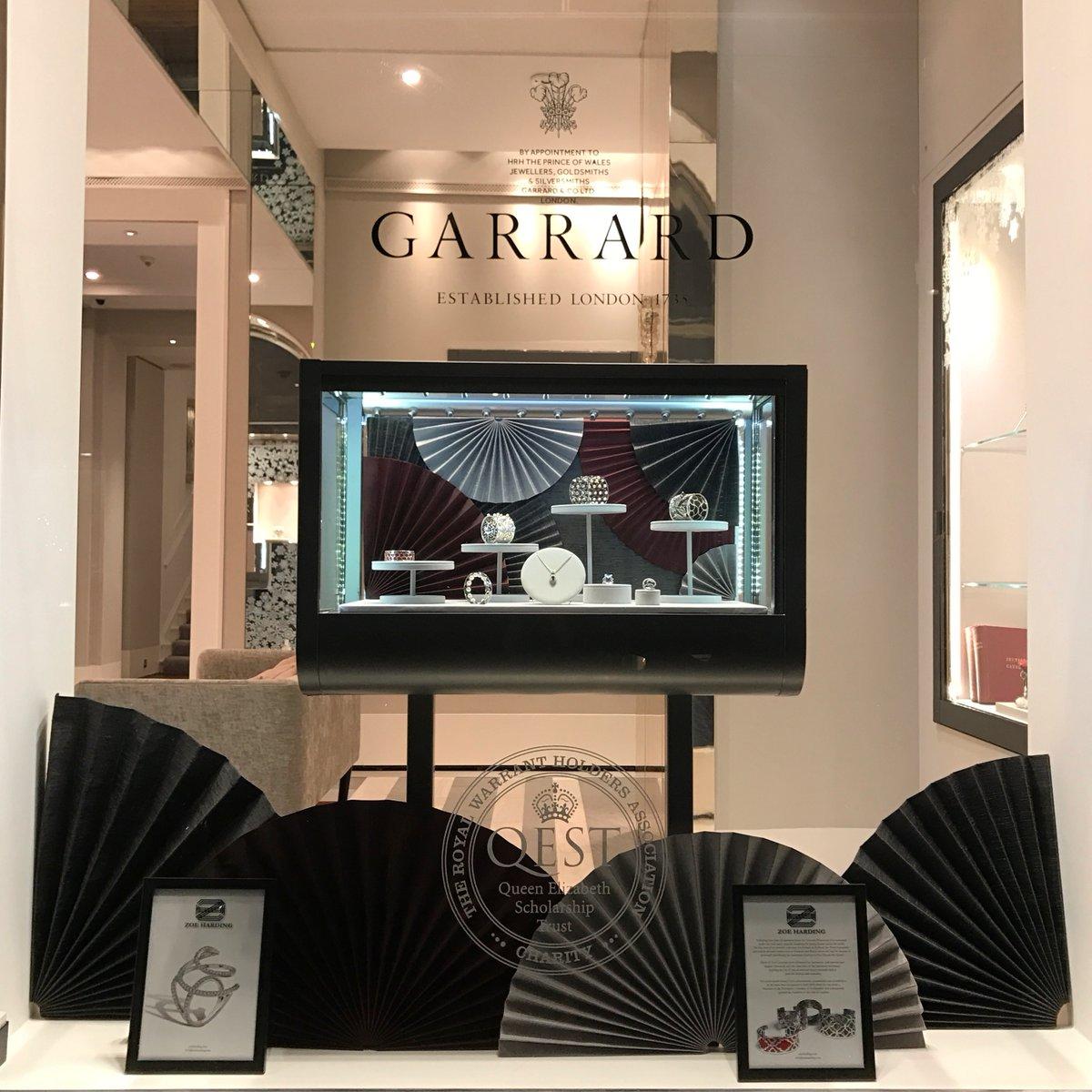 GARRARD WINDOW_THEY POSTED PICCzu2MoVWIAAAIY4.jpg