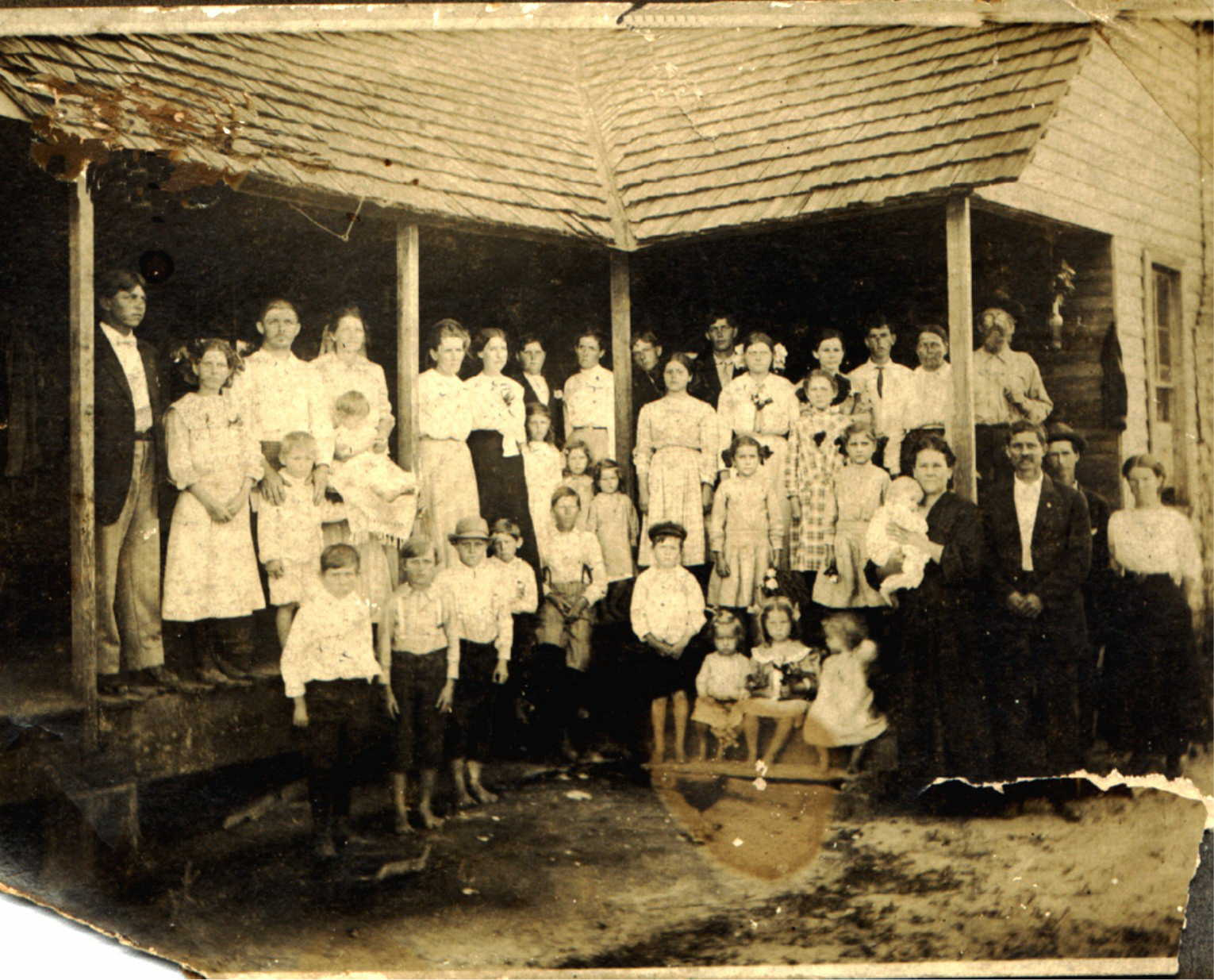 My great-great-grandfather, Zachary Taylor Jones (third from right) with his many, many,  many  children and a few other relatives, Roswell, Georgia.