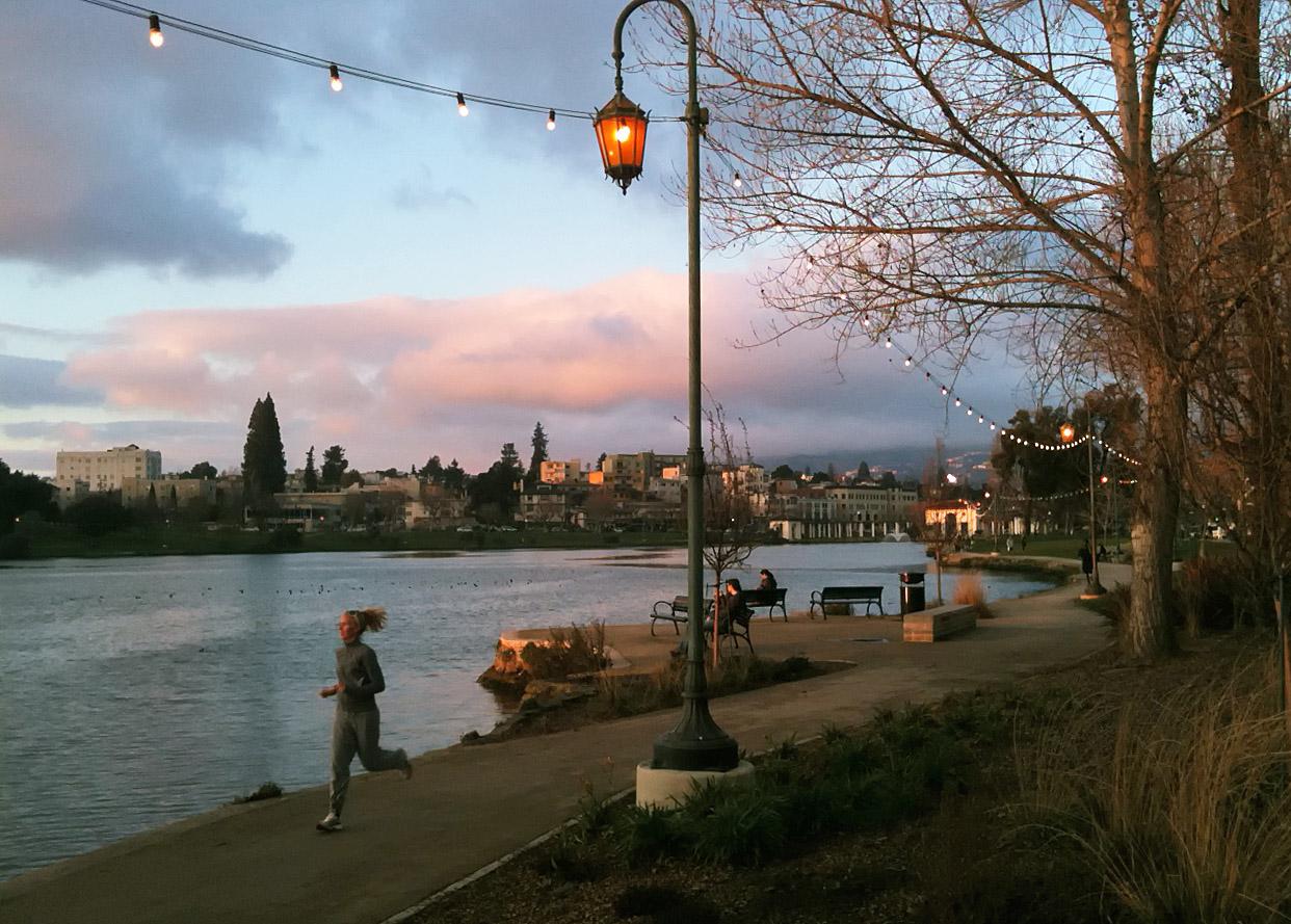 A RUNNER'S DELIGHT – THE LAKE MERRITT LAPS