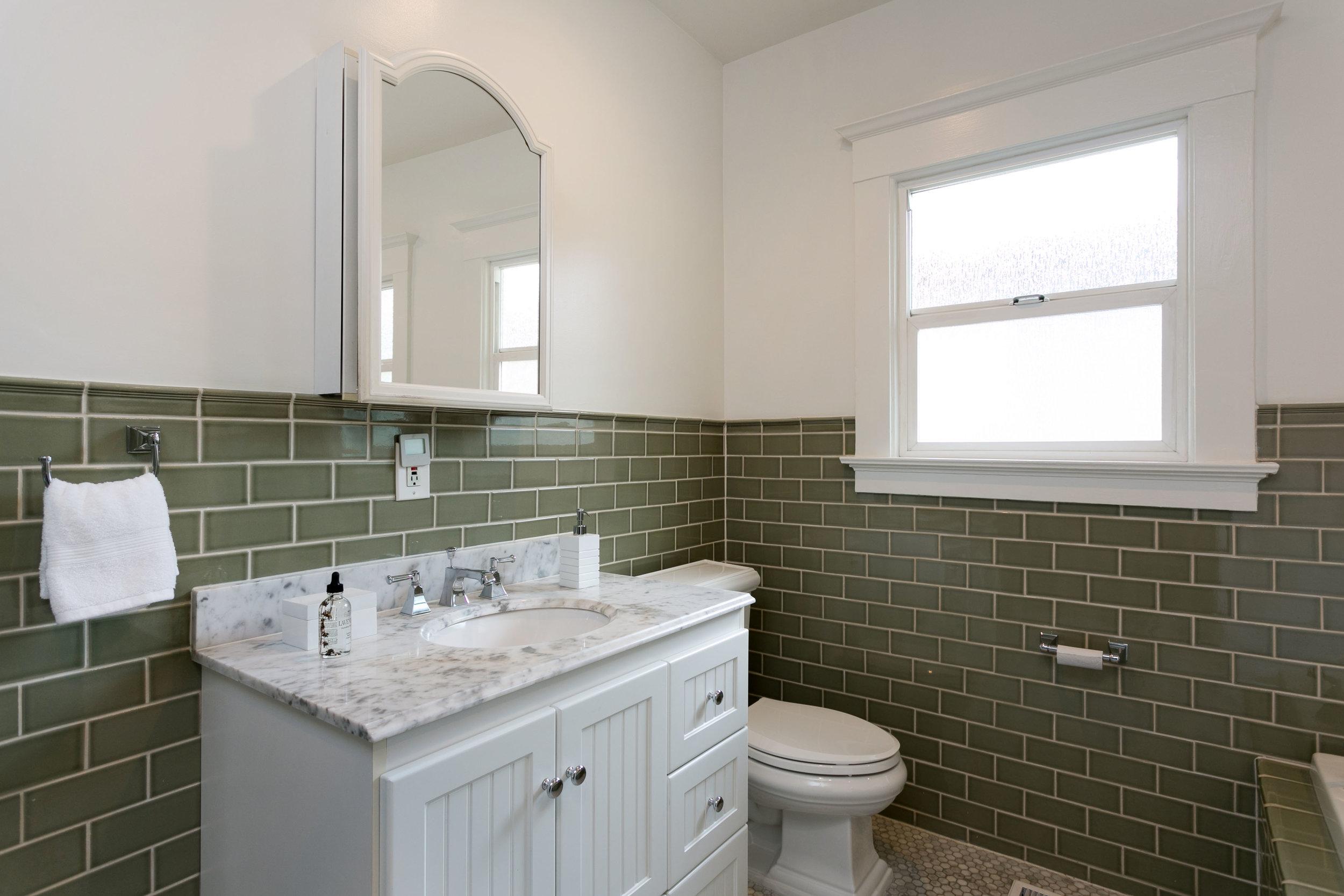 22 bath sink.jpg