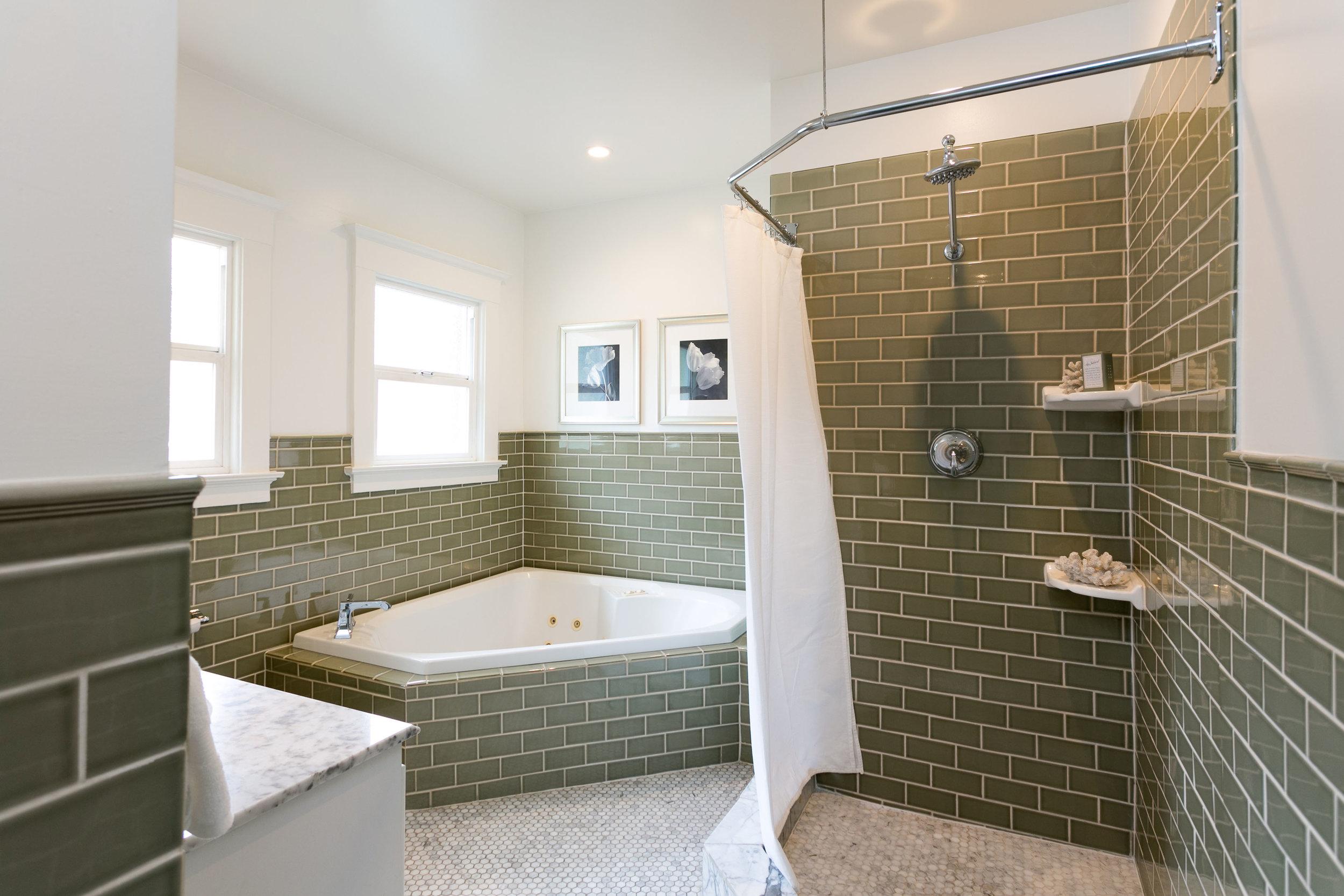 21 Bath.jpg