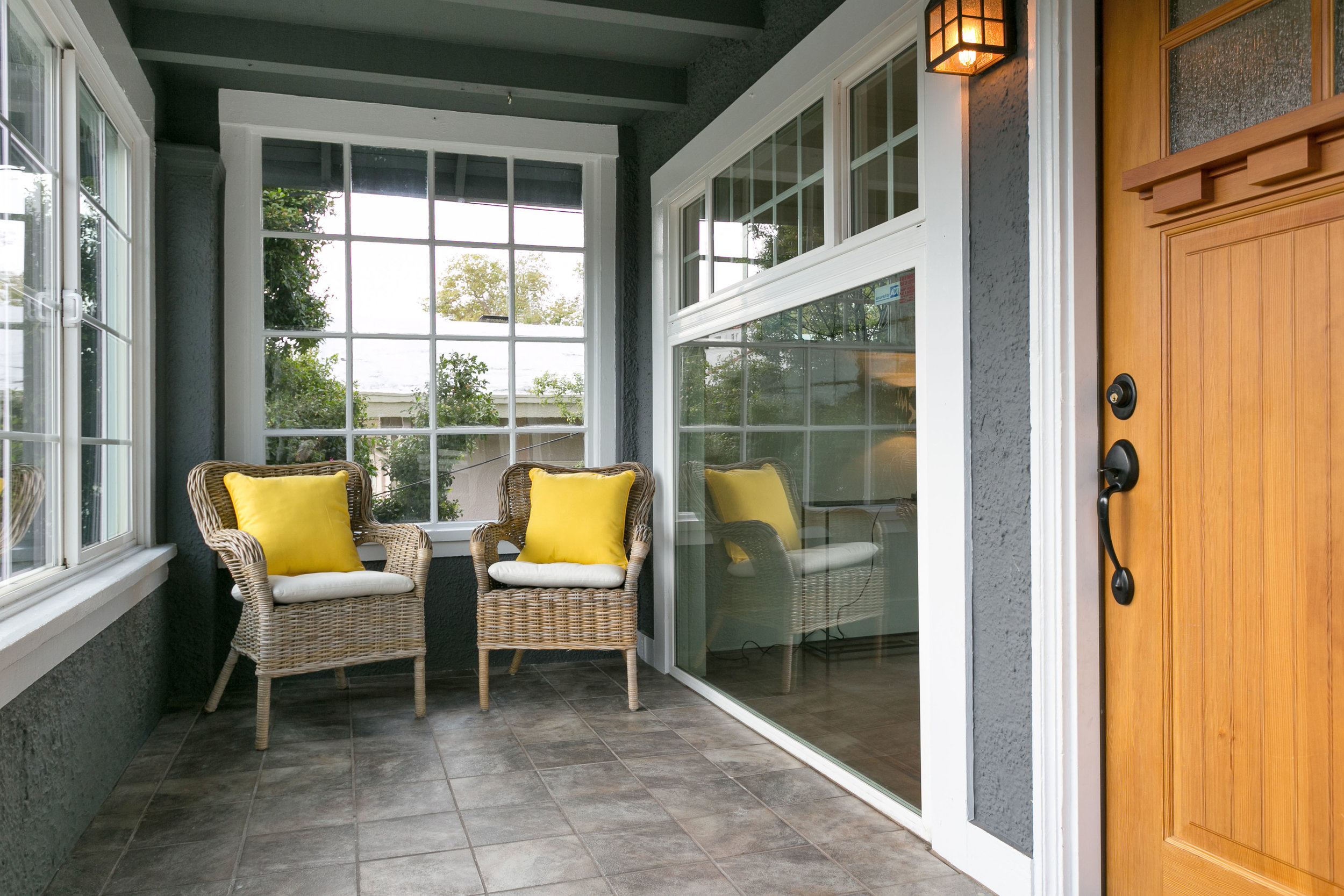 02 Front porch entry.jpg