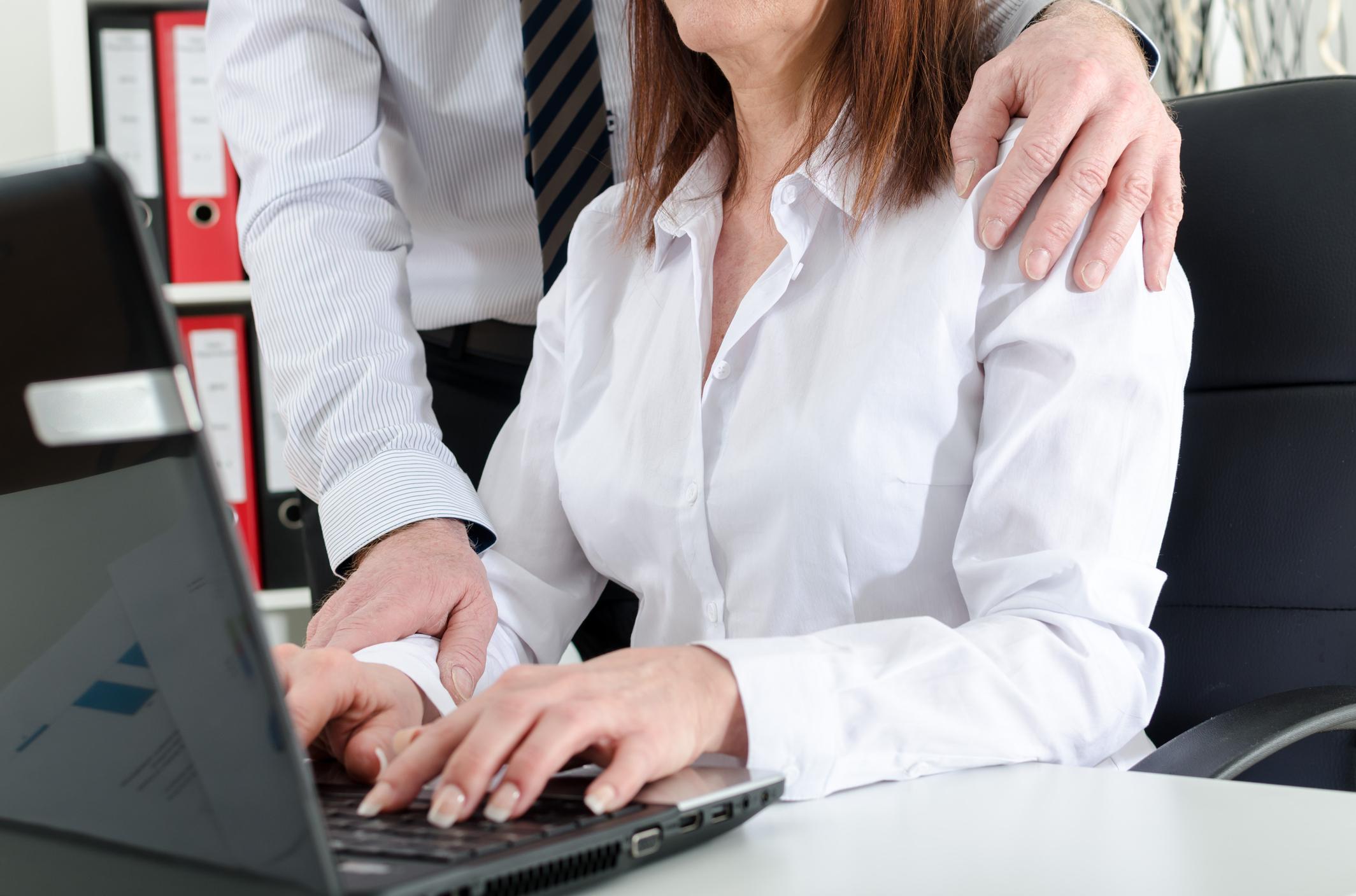 Was tun bei sexueller Belästigung? - Oder dem falschen Vorwurf durch Kollegen?
