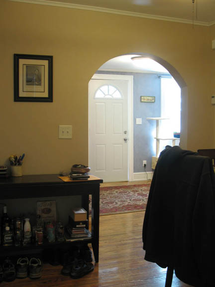 arch to living room.JPG