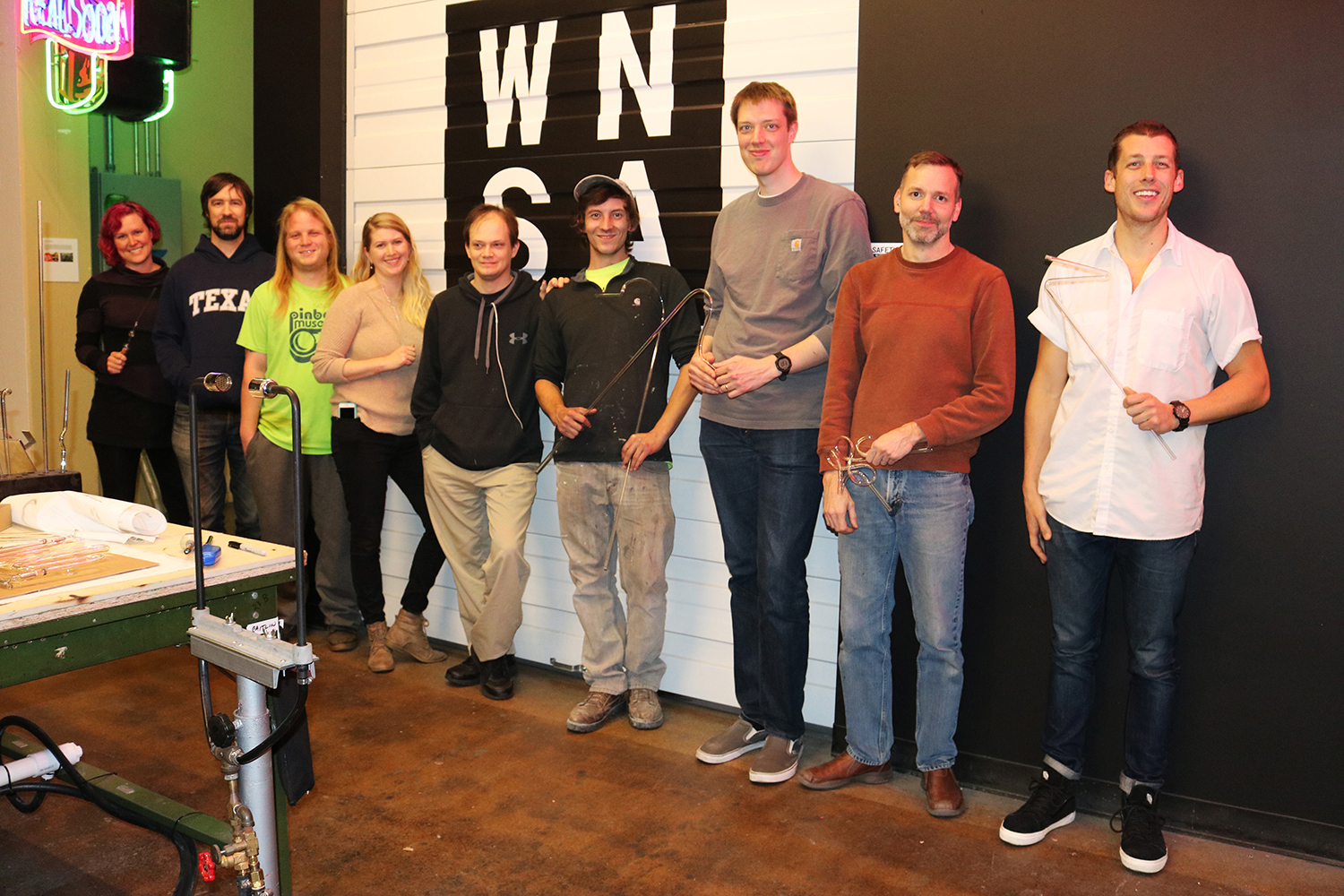Tuesday Introduction class, Fall Quarter 2018. Image  ©  2018 Western Neon School of Art.