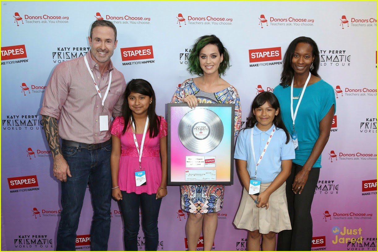 katy-perry-will-educate-her-way-around-the-world-on-tour-03.jpg