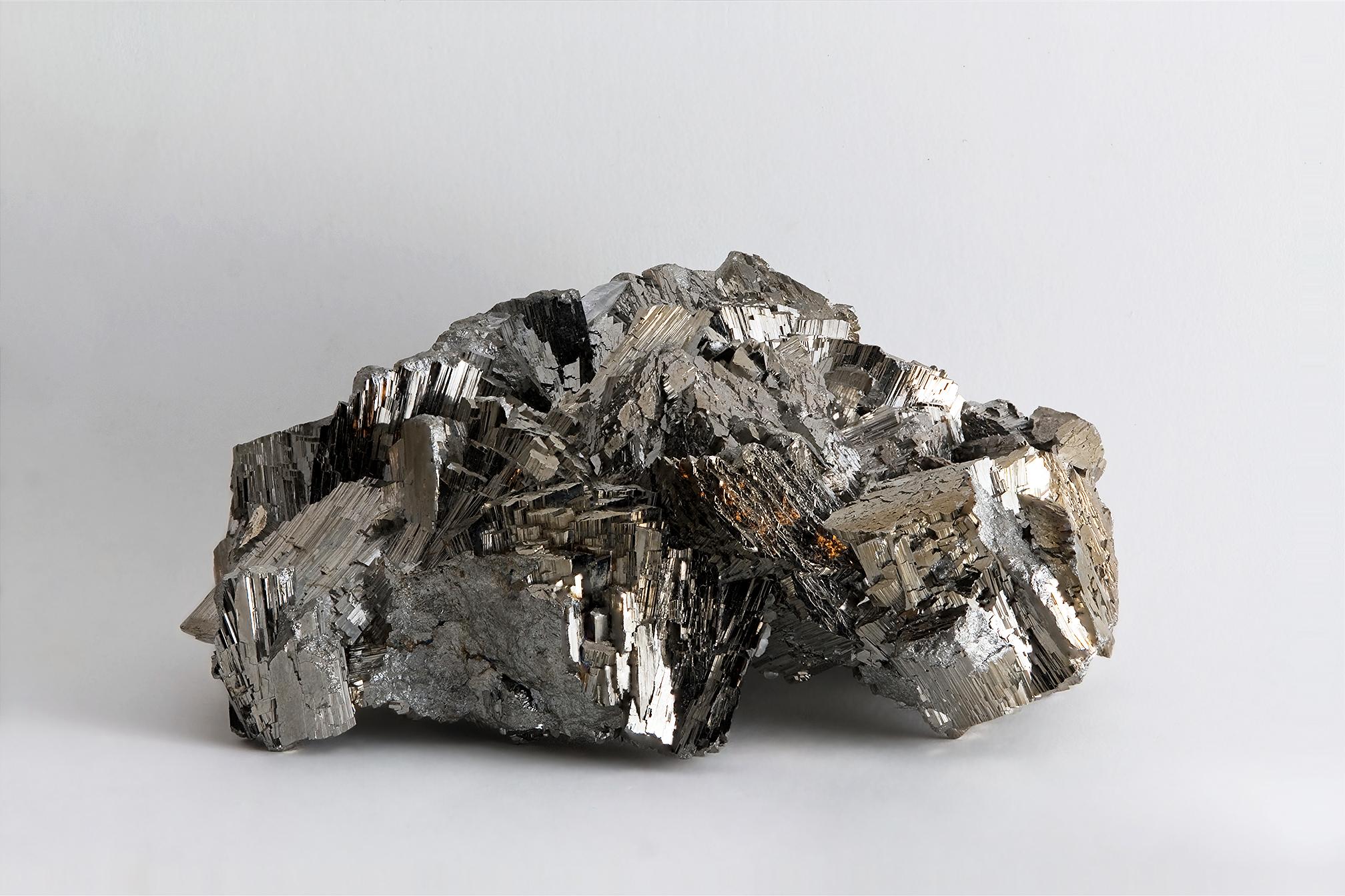 Arsenopyrite,_Panasqueira_Mine,_Portugal.jpg