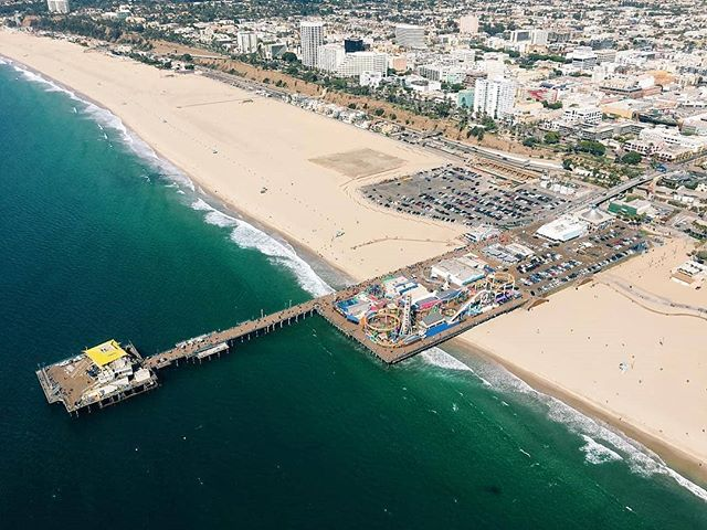 Happy Friday!!! Don't know what to do this weekend? Give us a call at (562) 290-0046 or email us at www.air360helicopters.com #hotweekend #santamonica #lacounty #flywithus #helicopterride #tours #charters #havesomefun #longbeach #hawthorne #losangeles #hollywood #airtours #flynyon #photography #photoflights