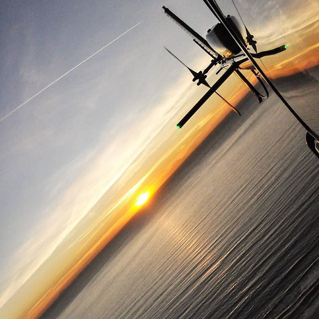 Happy Monday! Have any midweek plans? Call us at (562) 290-0046 or email us at www.air360helicopters.com #flynyon #beach #sunsets #socal #tours #helicopter #aviation #photography #charters #summer #monday #lacounty #orangecounty #helicopterride #helicopterlife #helicoptertours