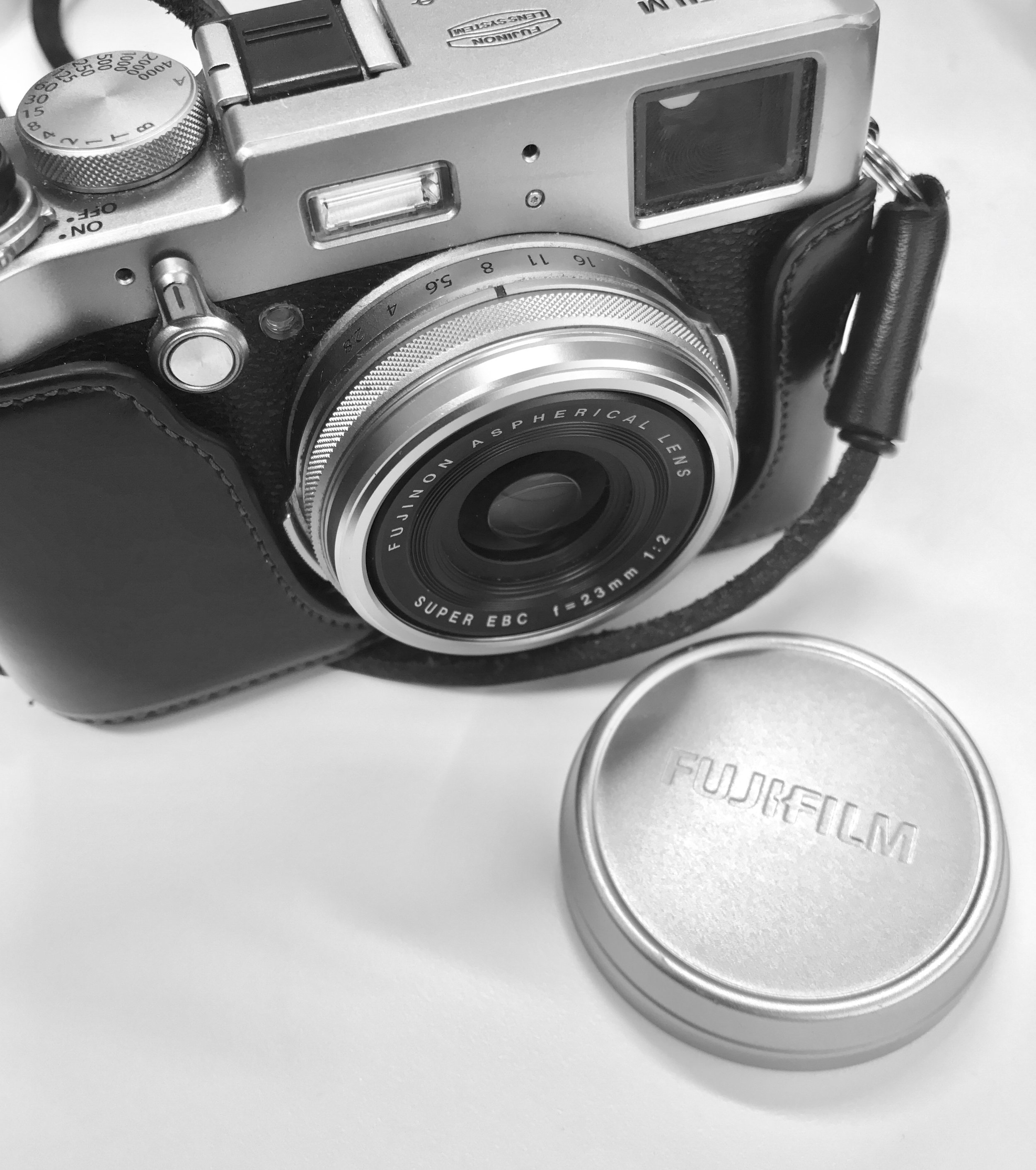 - There's a new blog entry up at Photosjhoot.com, talking about my how I might be making an error in automatically sticking a lens filter on, just for purposes of protection. Are they negatively impacting my image quality?