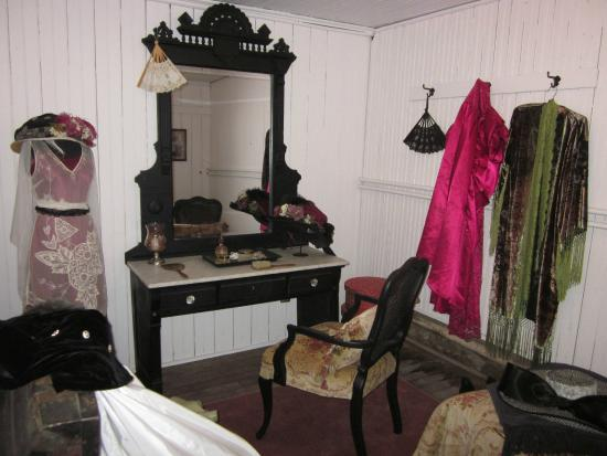 Tabor Opera House Dressing Room.png