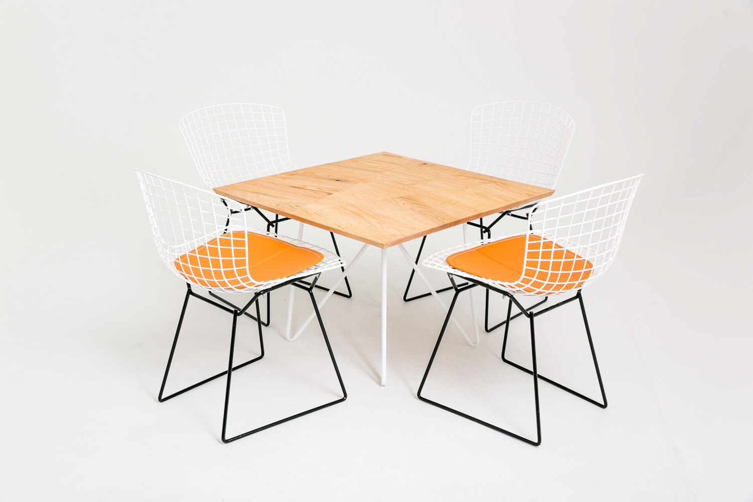 M Table w/ Wire Chairs
