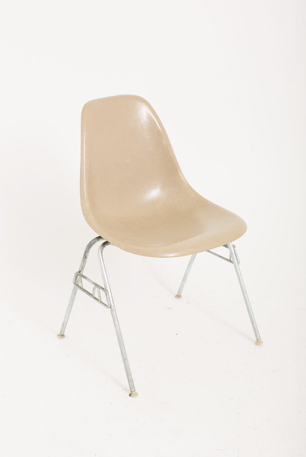 Eames Taupe
