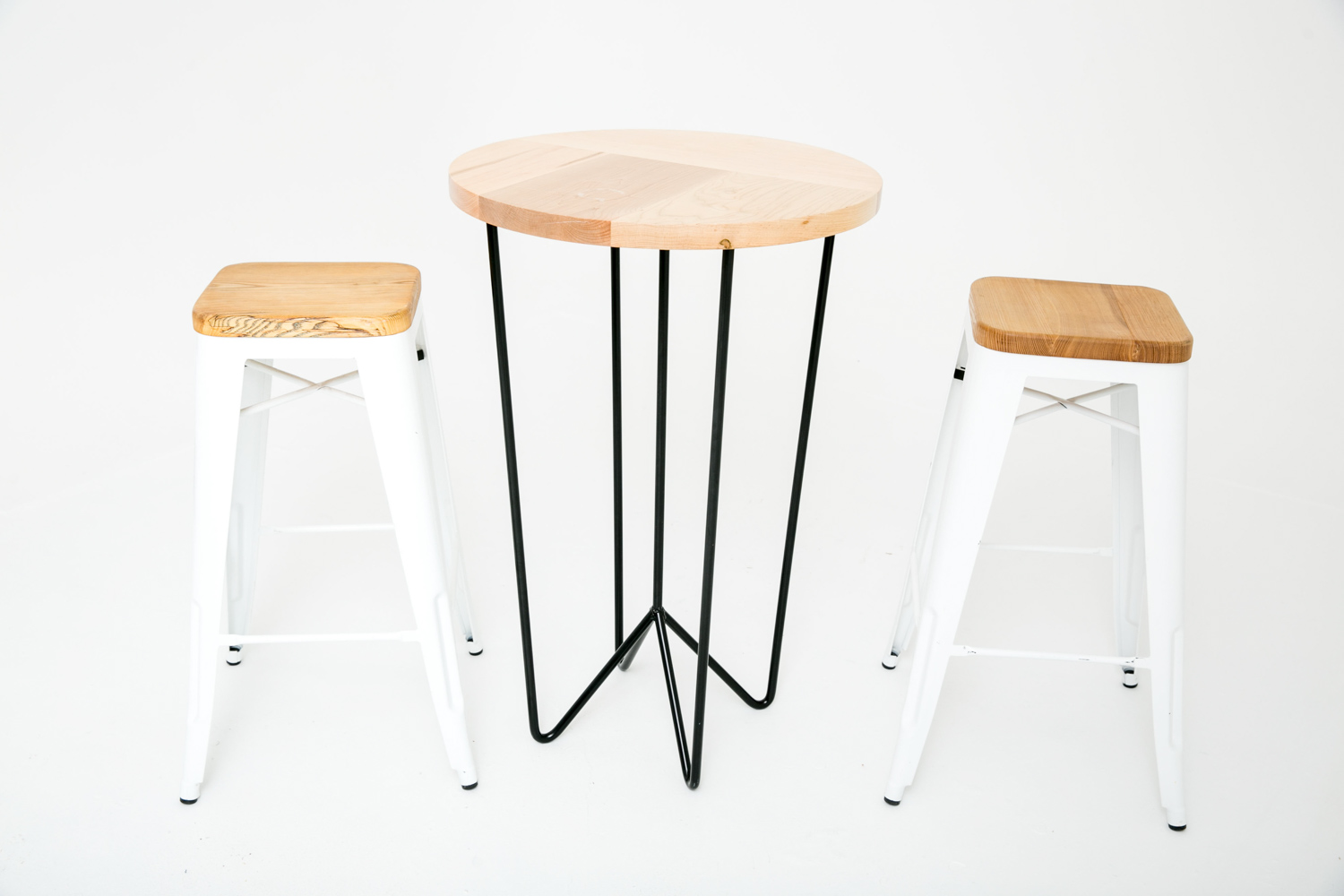 Yeah! Highboy with Wood Seat Barstools