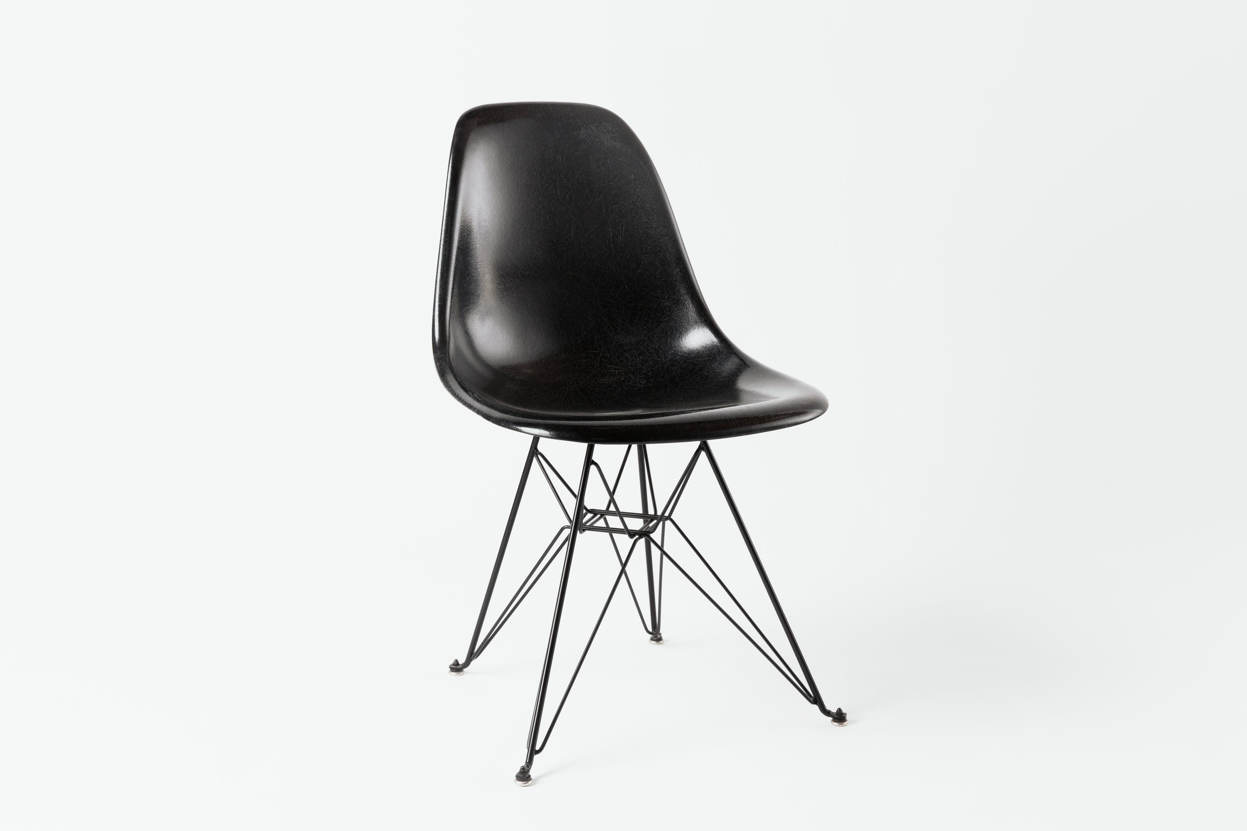 Eames Eiffel Black