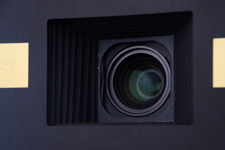 Bildqualität - Entwickelt von einem erfahrenen Portraitfotografen nutzt diese Box alle technischen Finessen der Fotografie, um Aufnahmen zu machen, die den Bildern aus einem Fotostudio in nichts nachstehen.