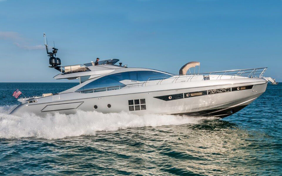 77' AZIMUT S - 20164 hrs $4,5006 hrs $6,750Week $33,000 + Expenses