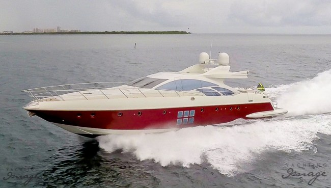 86' Azimut s - 2007 / 2015 Refit4 hrs $5,5006 hrs $7,000Week $42,000 + Expenses