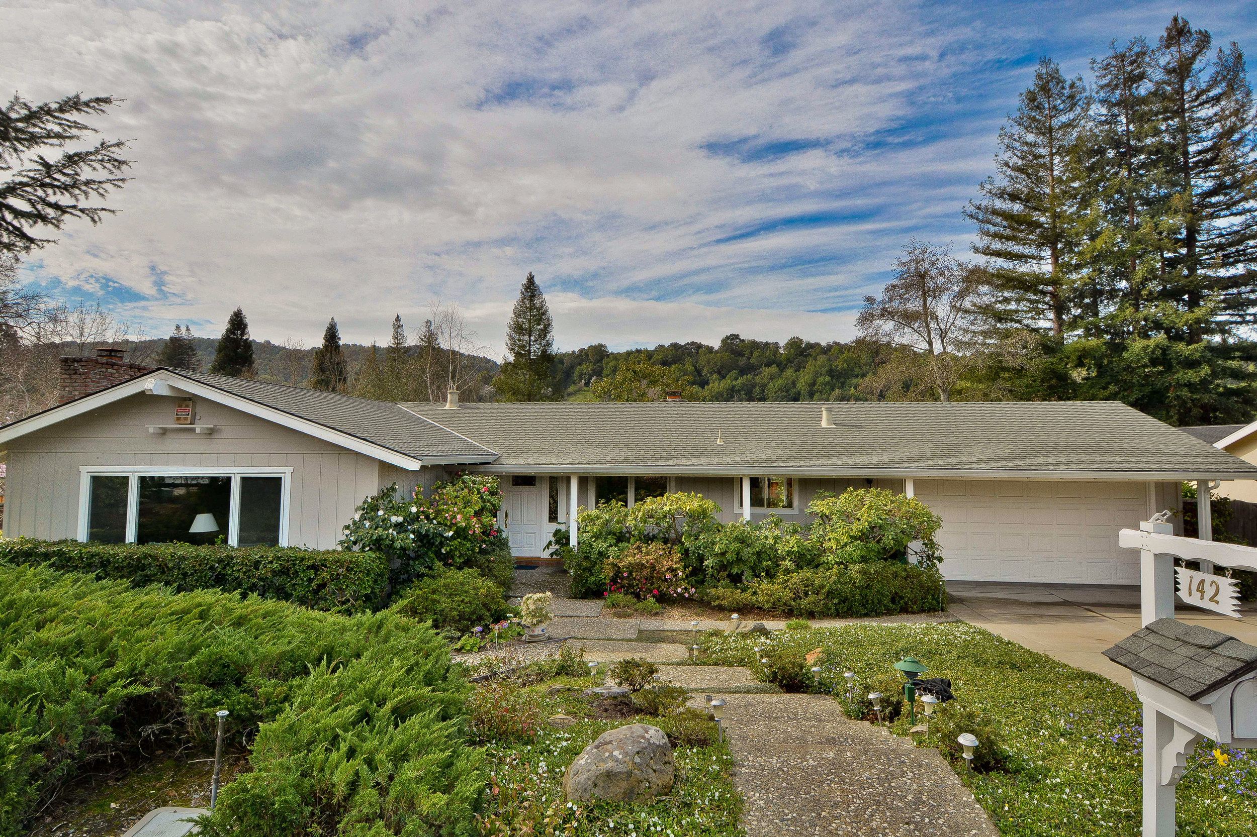 142 selborne way, moraga, ca  listed: $1,125,000 sold: $1,127,000 represented seller