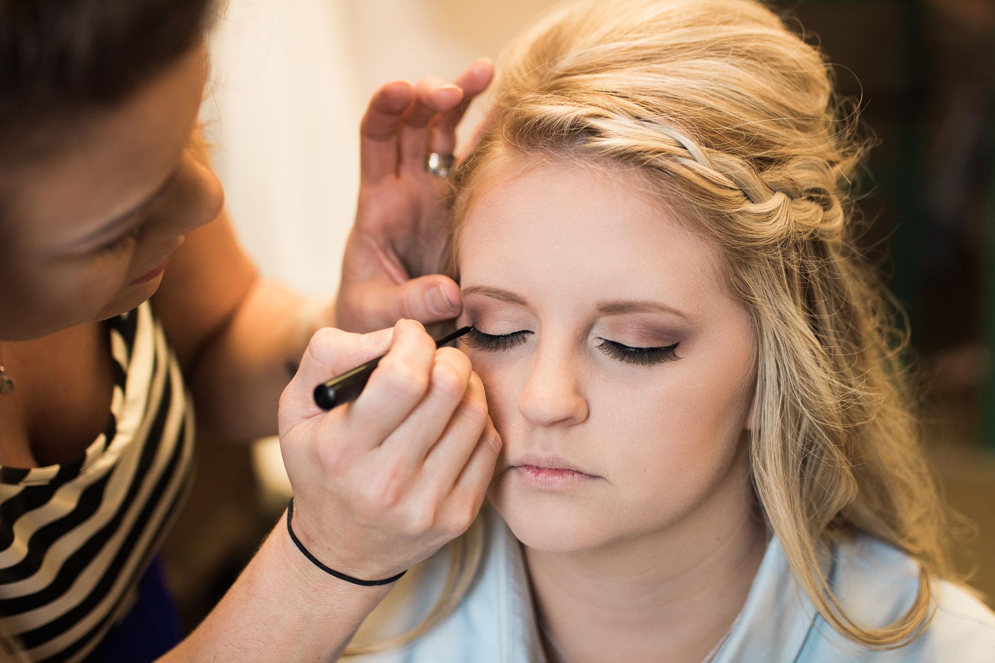 Bridal eye liner makeup