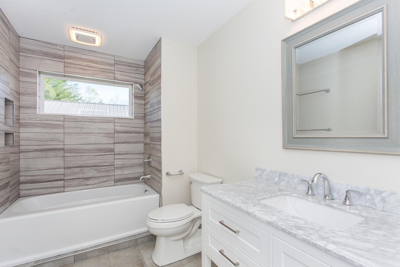 8 Maultsby Asheville NC 28805-large-022-11-Bathroom-1496x1000-72dpi.jpg
