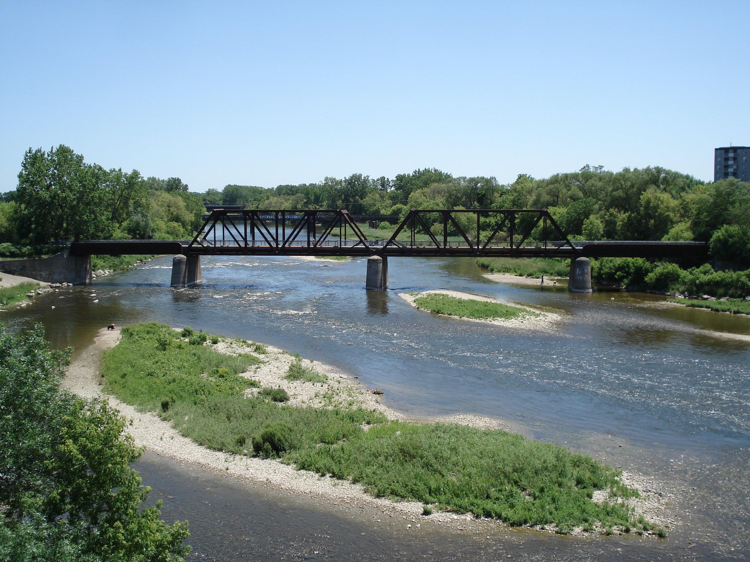 Brantford_Ontario_Grand_River_1.jpg