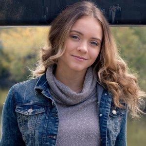 Bianca Lastomirsky, 20