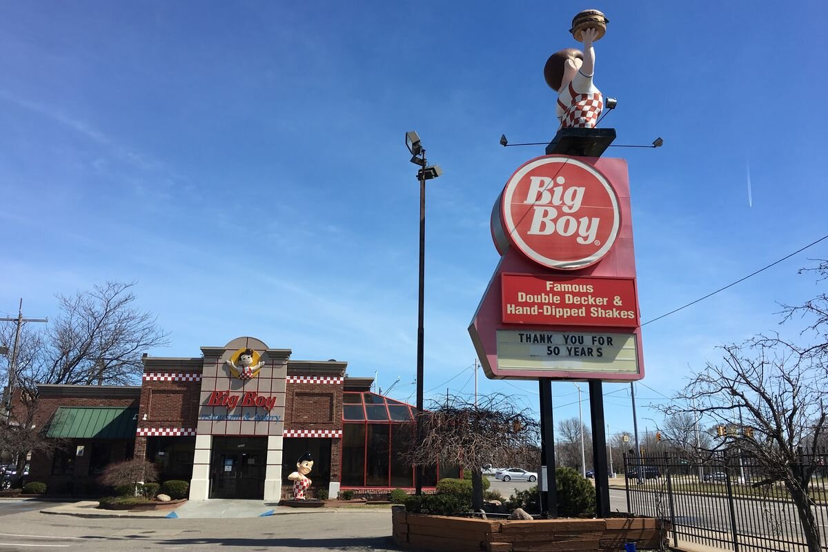 The former Big Boy on Jefferson Avenue when it closed in 2017