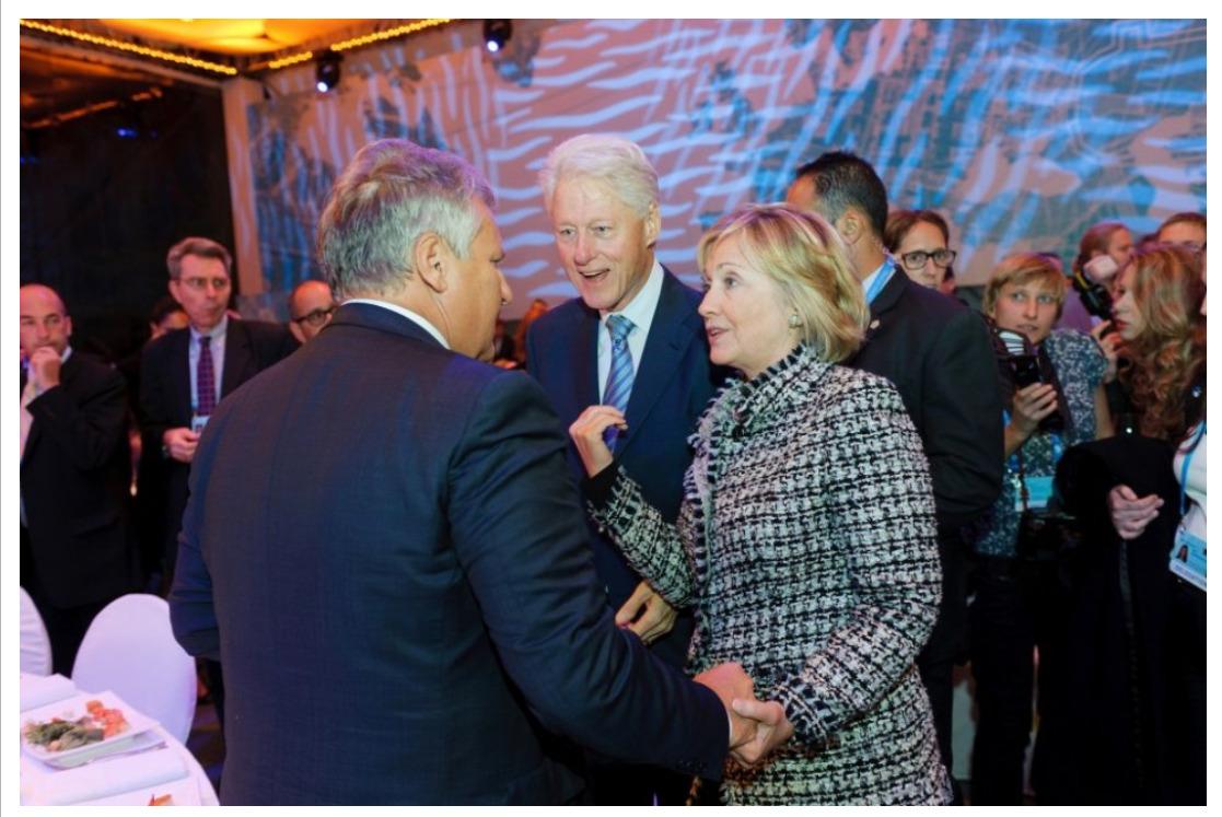 Pinchuk Bill and Hillary Sept 20th 2013.jpg