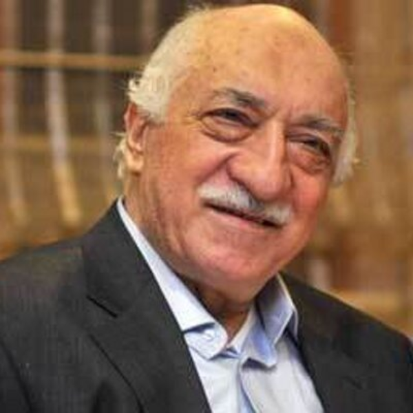 Gulen photo half smile.png