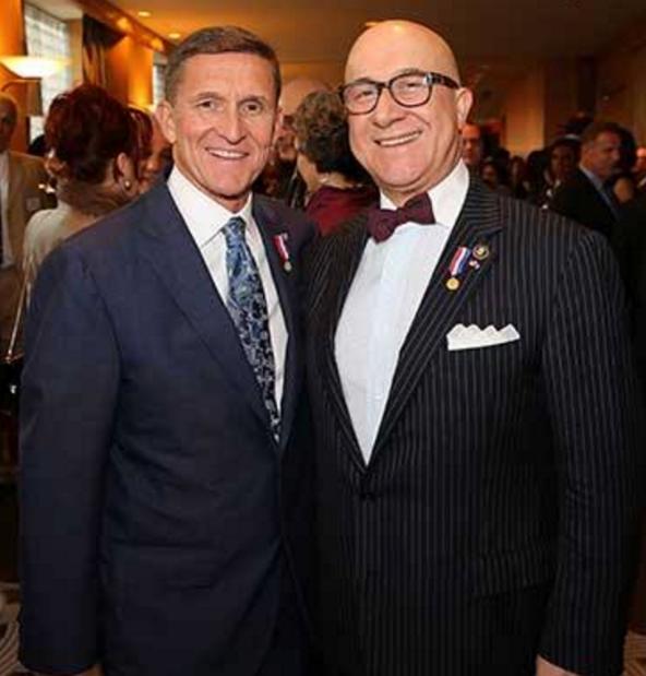 Flynn+Kian+photo+both+smiling+for+camera.png