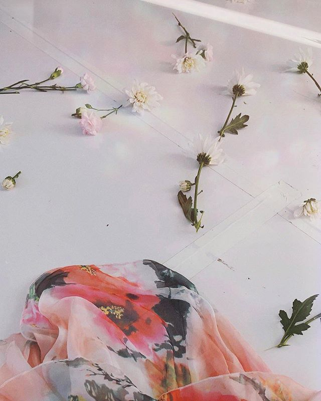 Spring is almost here, y'all. Get ready for an overload of blush tones and floral goodness 💐 | edited with @acolorstory