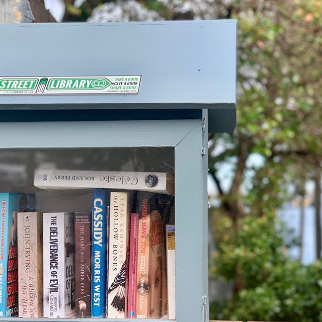 Street library in our old 'hood.  Keeping up with the Joneses would have been tough if we'd stayed. . . . . . #bookstagram #shelfie #balmain