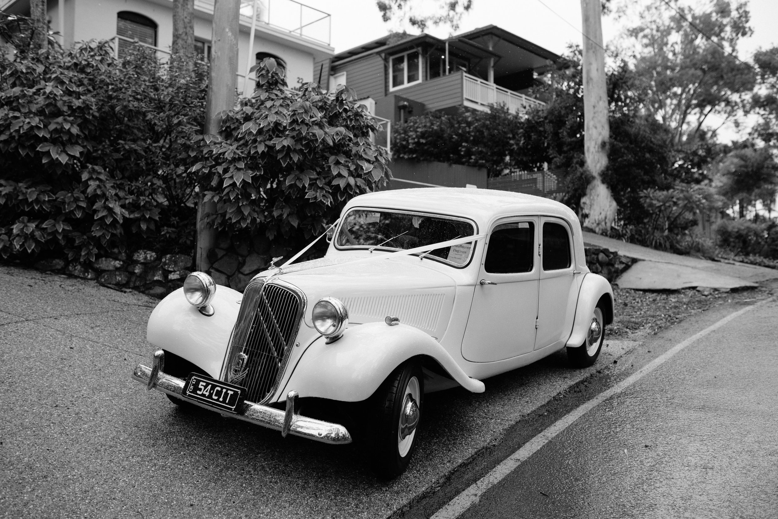 Jacquie and Jon Wedding EPHEMERAL CREATIVE Noosa wedding vintage citroen wedding car