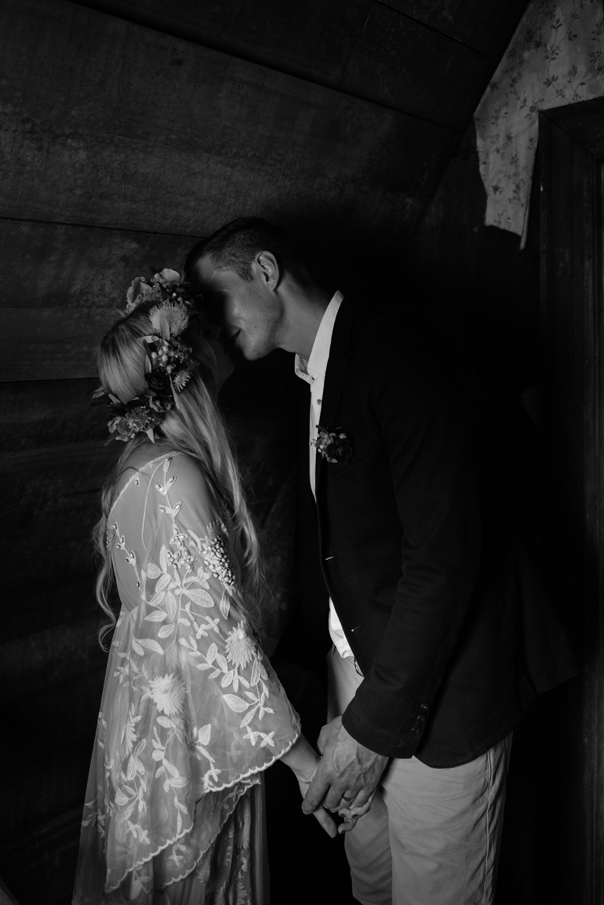 Josie and Ryan EPHEMERAL CREATIVE Jonkers Farm New Zealand Wedding moody kiss